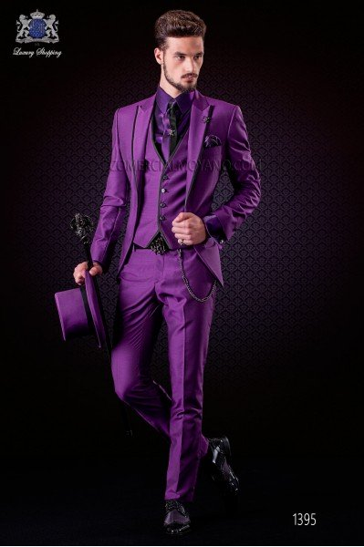 Italian violet groom suit with waistcoat. Peak lapels with satin contrast and 1 button. Wool mix fabric.