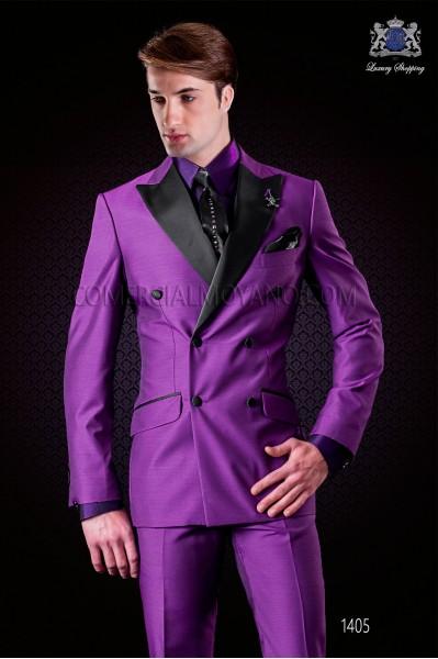 Traje italiano moderno púrpura. Modelo cruzado solapa punta con 6 botones de raso. Tejido mixto lana.