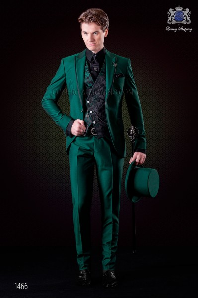 Italian wedding suit green. Peak lapels with satin contrast and 1 button. Wool mix fabric.
