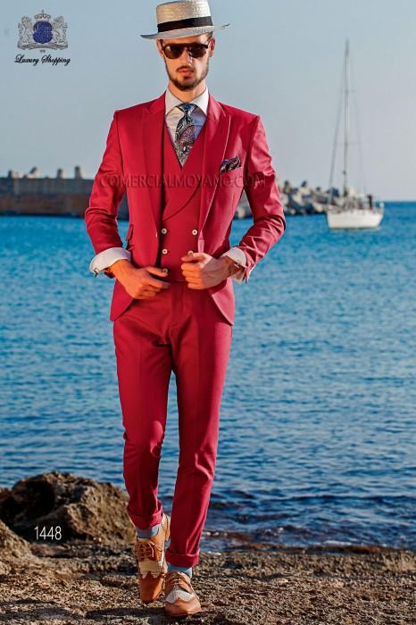 "Suit modern Italian style ""Slim"". Model edge flaps and 1 button. Fuchsia fabric 100% cotton"