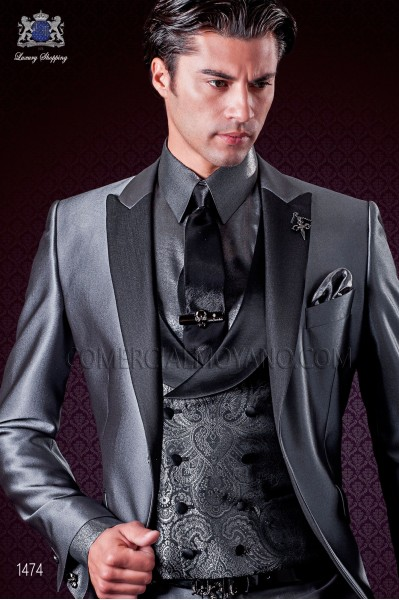 Italian wedding suit grey. Satin peak lapels and 1 phantasy button.