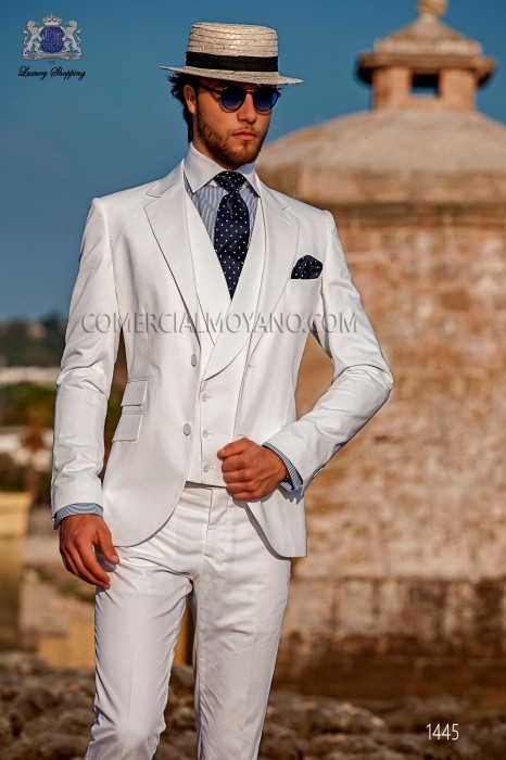 "Modern Italian style costume ""Slim"". Model flaps in ""V"" and 2 buttons. White fabric 100% cotton"
