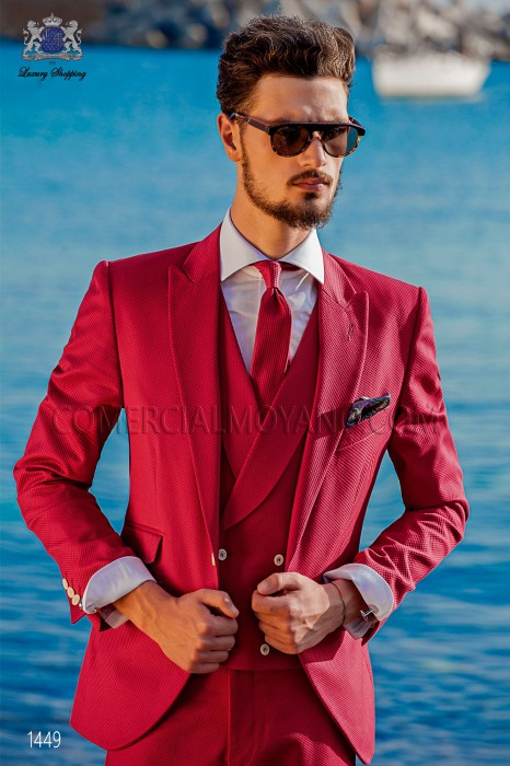 "Suit modern Italian style ""Slim"" Fuchsia 100% cotton. Model edge flaps and 1 button."