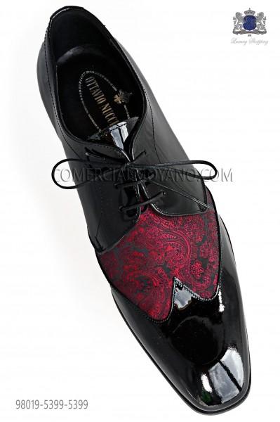 Zapatos negros cordones combinado jacquard rojo