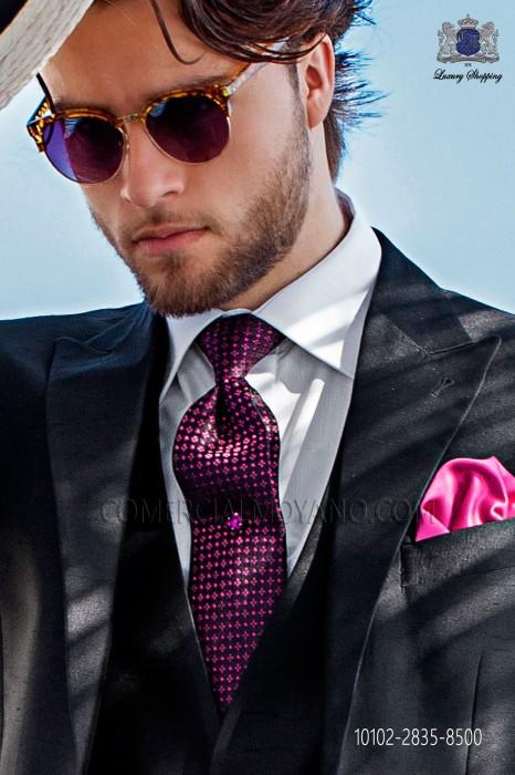 Black and fuchsia silk tie