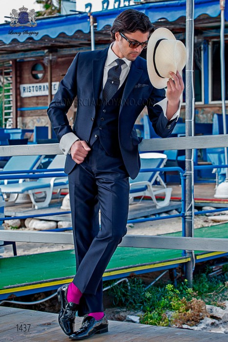 "Piece suit modern ""Slim"". American with flaps in ""V"" and 2 buttons. shantung silk fabric navy blue"