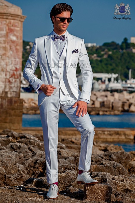 "Italian suit modern style ""Slim"" edge flaps and 1 button. White fabric 100% cotton"