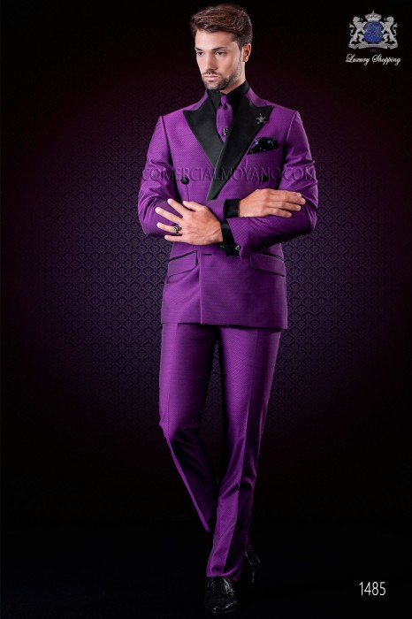 Italian purple microdesign fashion double breasted suit. Satin peak lapels and 6 buttons. Wool mix fabric.