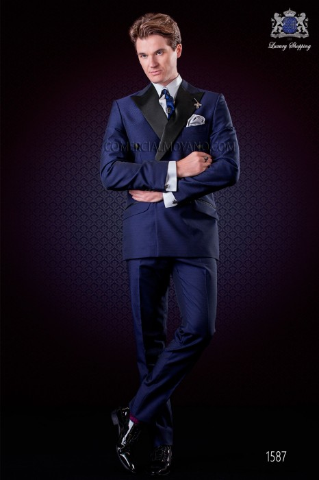 Italian electric blue microdesign fashion double breasted suit. Satin peak lapels and 6 buttons. Wool mix fabric.