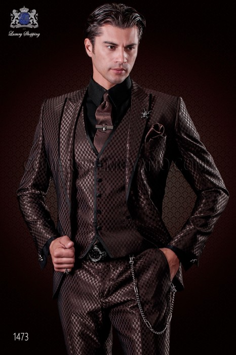 Italian brown monochrome design fashion suit. Peak lapels with satin trims and 1 button. Wool mix fabric.