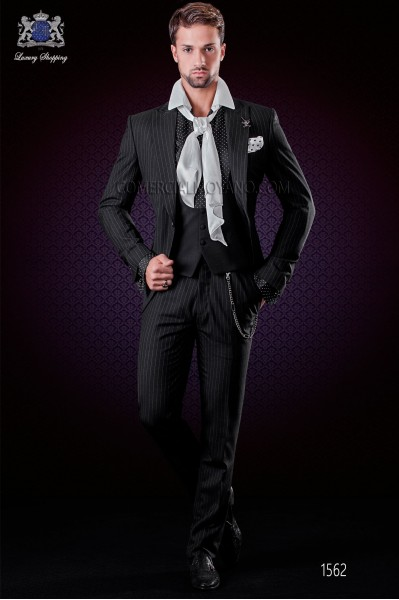 Traje de novio negro raya diplomática. Solapas de punta y 1 botón. Tejido pura lana.
