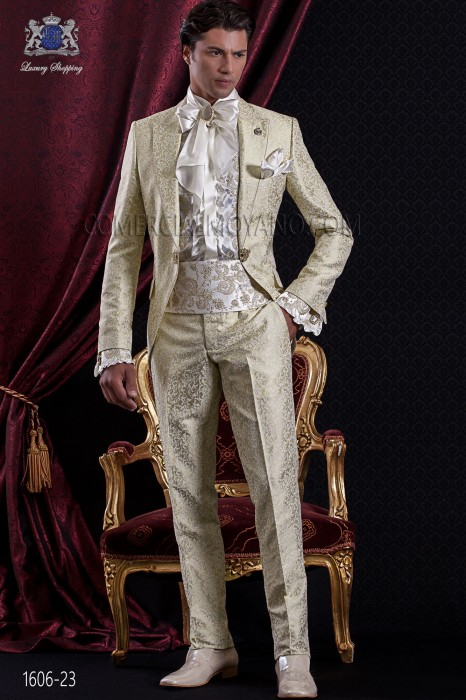 Groomswear Baroque. Suit coat vintage gold jacquard fabric with brooch fantasy.