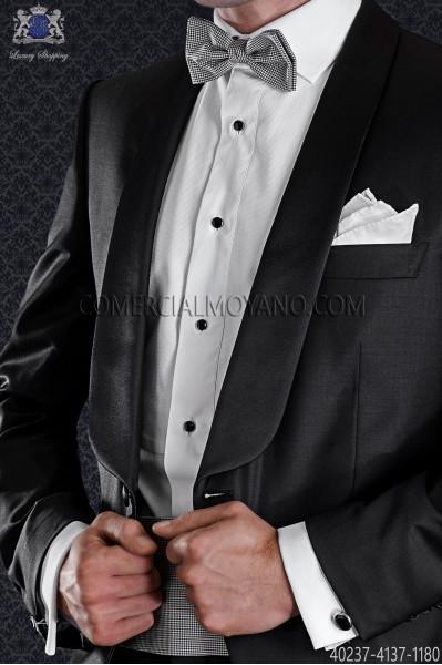 Camisa blanca con pechera de piqué