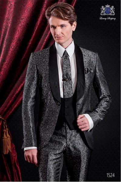 Traje esmoquin italiano de jacquard gris. Solapa chal de raso negro con 1 botón.