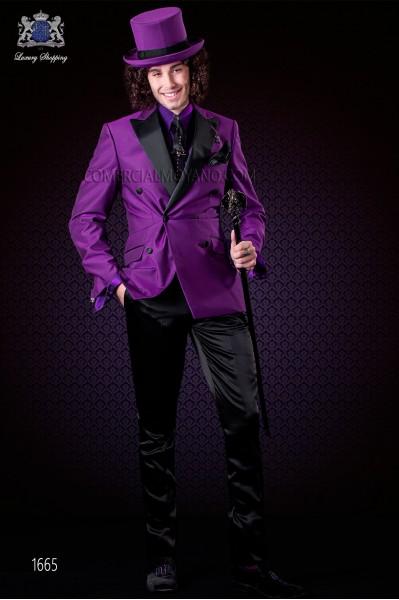 Chaqueta púrpura cruzada con solapas a punta de raso y 6 botones. Tejido mixto lana.