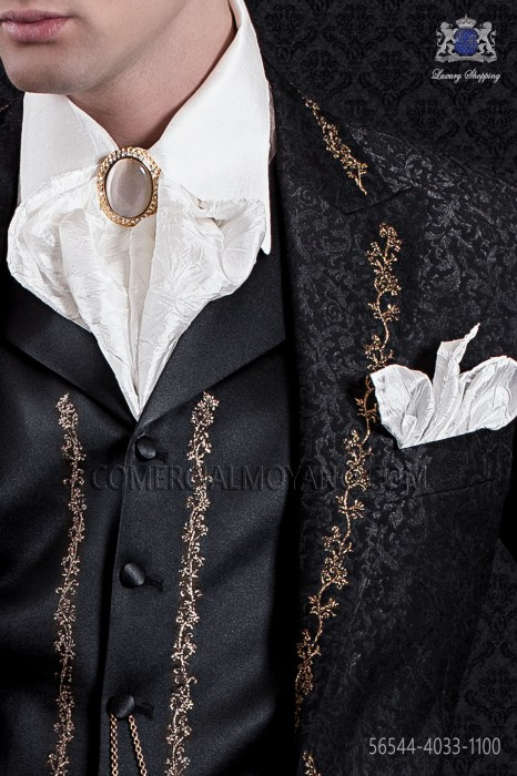 White plastron and handkerchief crumpled effect