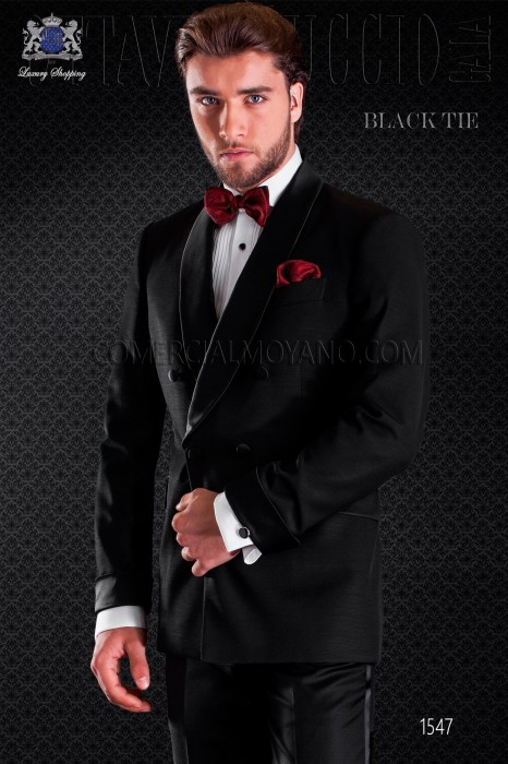 Groom tuxedo crossed in black. Elegance and excellence in evening dress for men