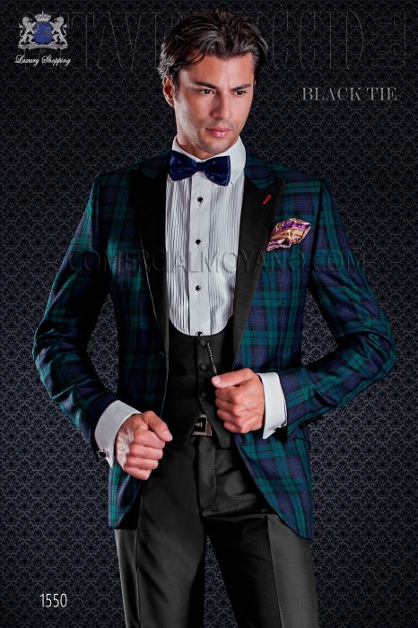 Groom tuxedo combined tartan. Elegance and excellence in evening dress for men