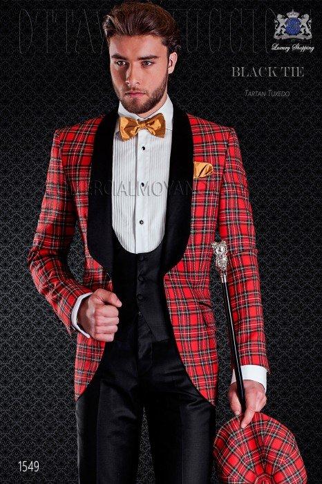 Italian tuxedo red tartan with satin lapels. Shawl collar and 1 button. Royal Stewart tartan wool fabric.