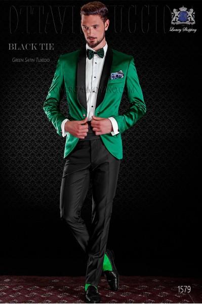 Esmoquin italiano verde con solapas de raso. Modelo solapa chal con 1 botón. Tejido de raso.