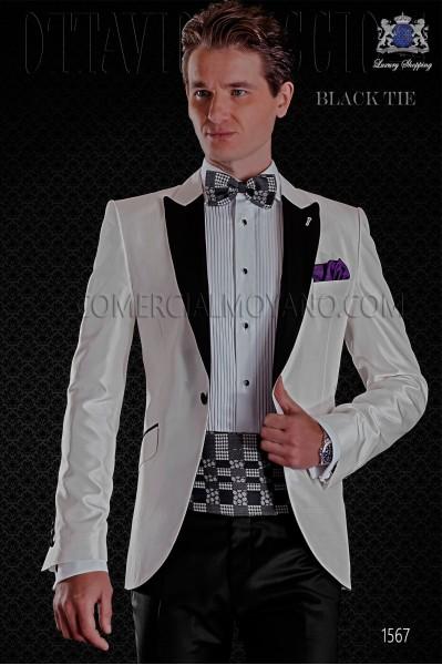 Esmoquin italiano blanco de shantung solapas de raso. Modelo solapa punta con 1 botón. Tejido shantung mixto seda.