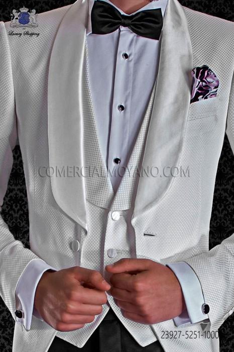 White waistcoat fantasy dama design