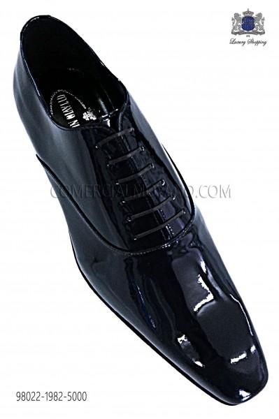 "Zapatos ""francesina"" cordones charol marino"