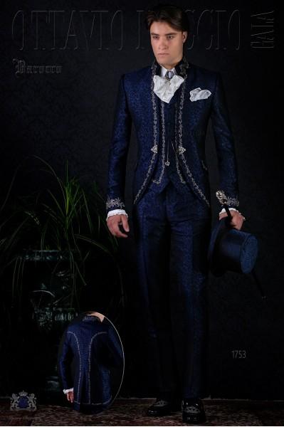 Traje de época modelo redingote brocado azul bordado.