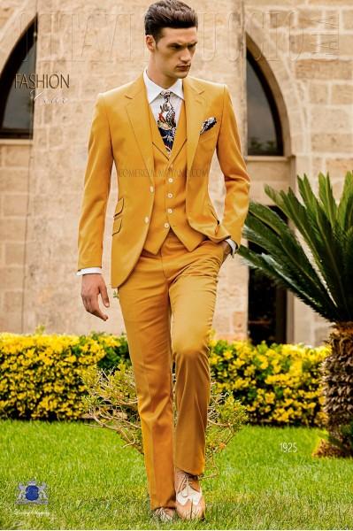 Traje italiano a medida amarillo en raso de algodón