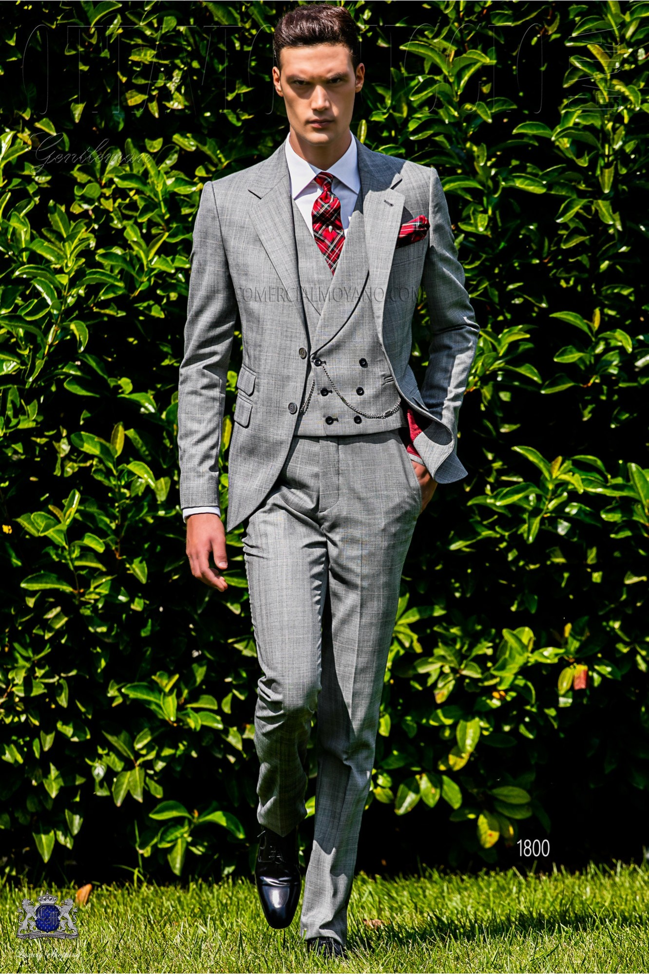 Bespoke Prince of Wales grey and red suit model 1800 Ottavio Nuccio Gala