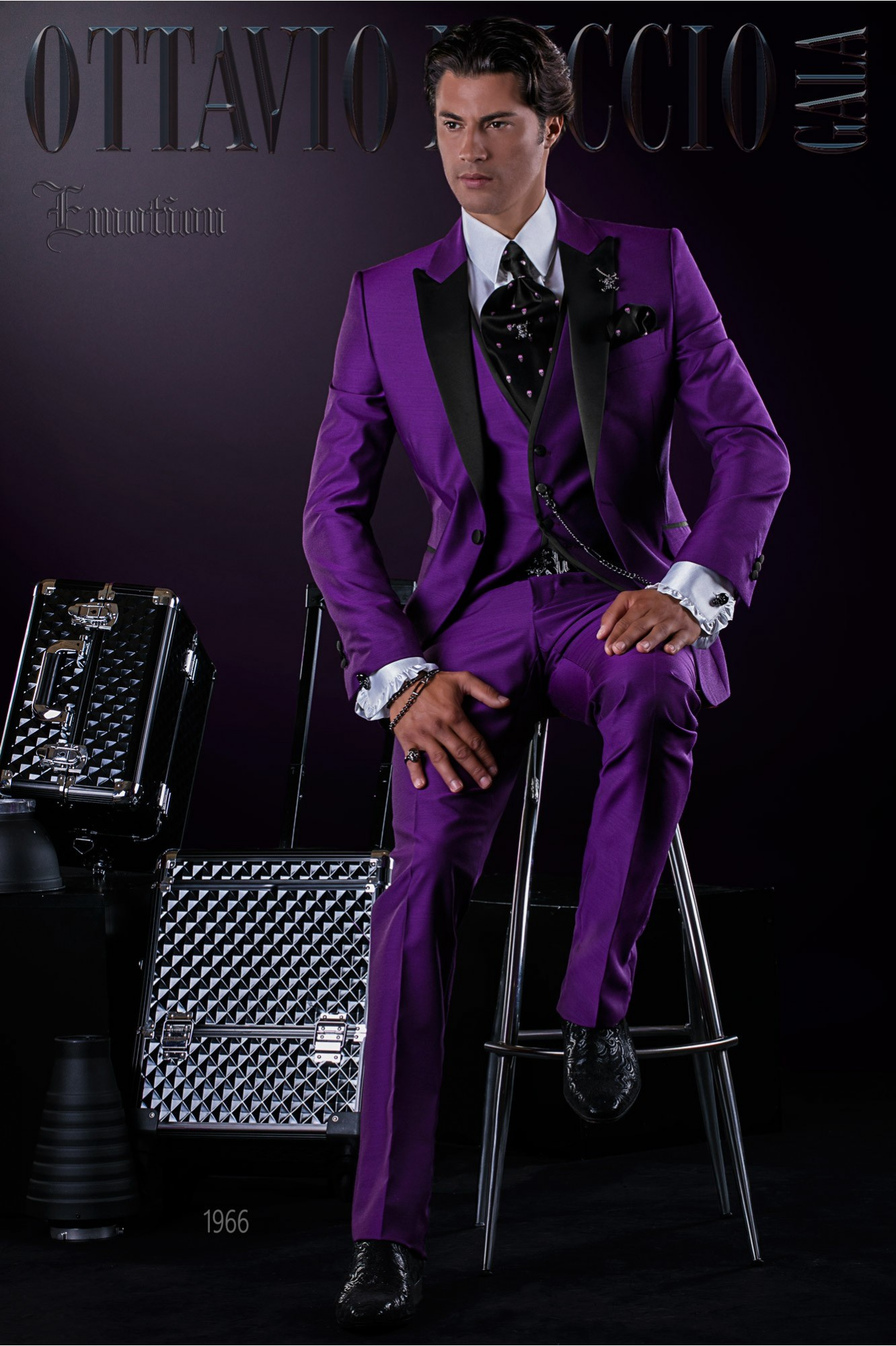 Fashion Italian bespoke purple suit with waistcoat