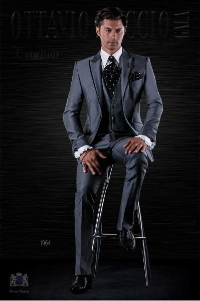 Traje de moda italiano gris antracita con vivos negros y chaleco