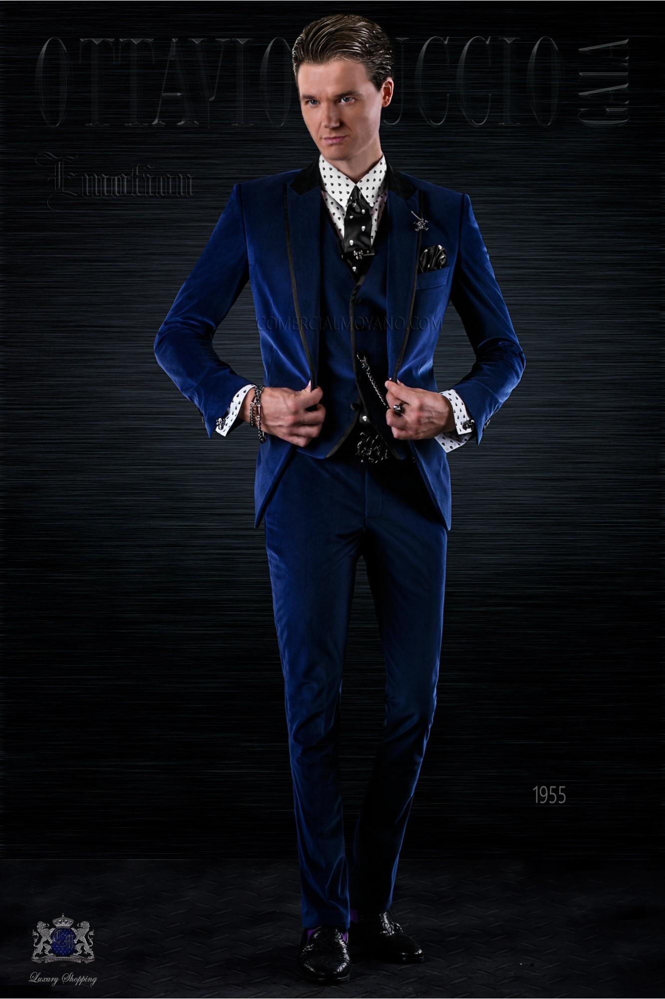 Traje de moda italiano a medida azul de terciopelo