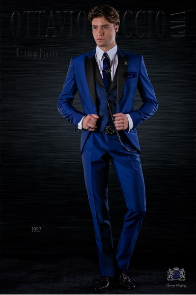 Fashion italian bespoke electric blue suit with black peak lapels