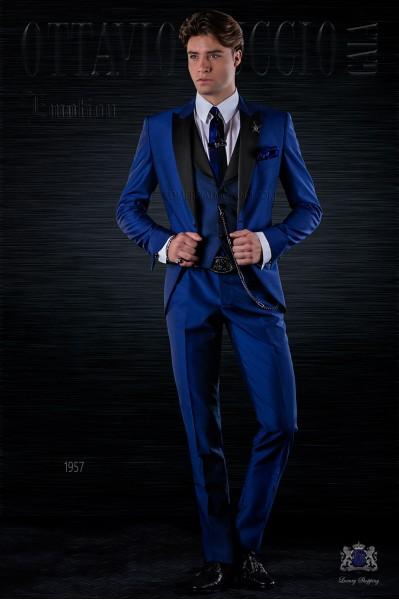 Fashion italian bespoke electric blue suit with black peak lapels