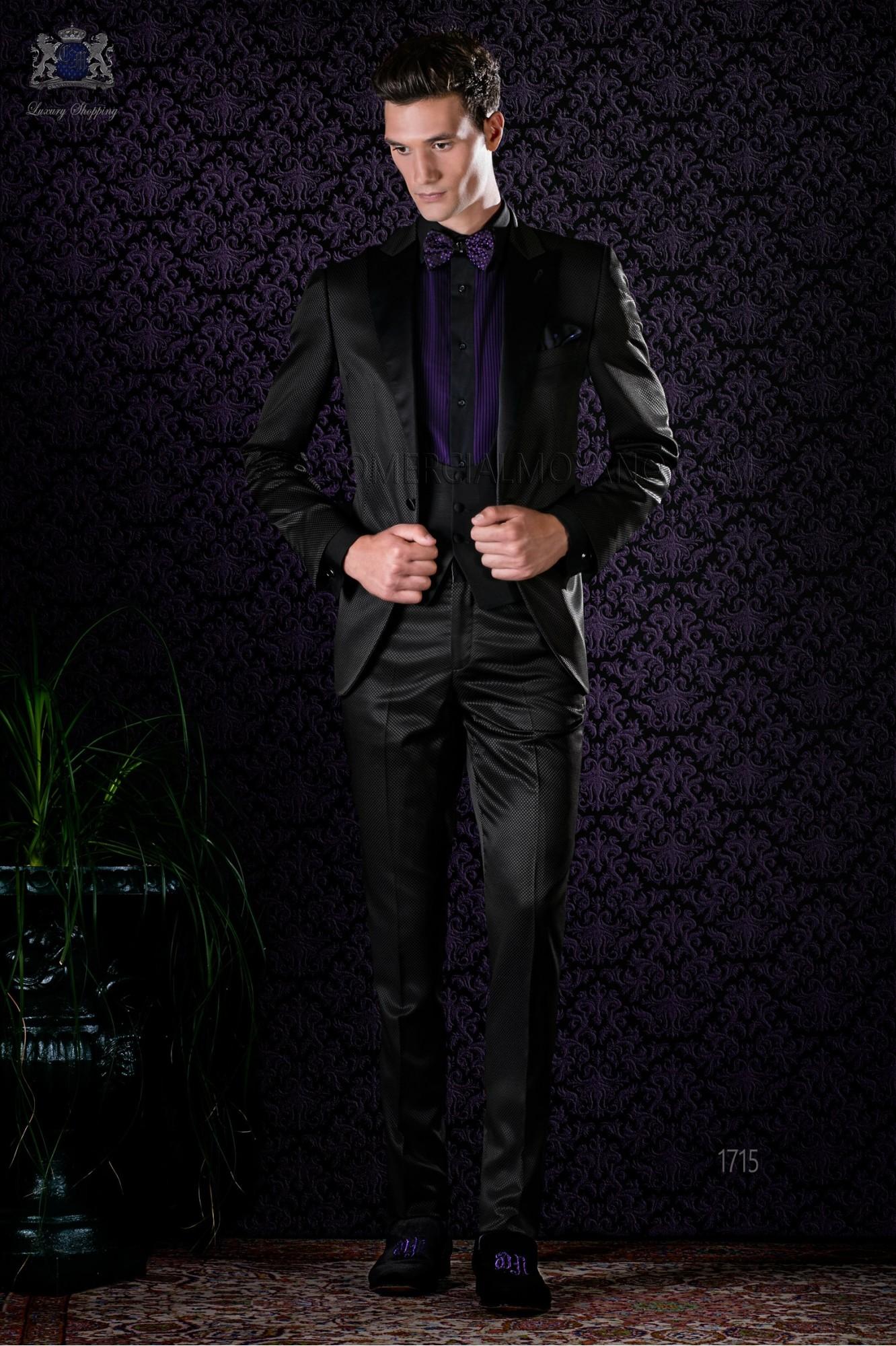 Esmoquin italiano negro con solapa punta y 1 botón de raso en tejido mixto lana modelo: 1715 Ottavio Nuccio Gala colección Black Tie