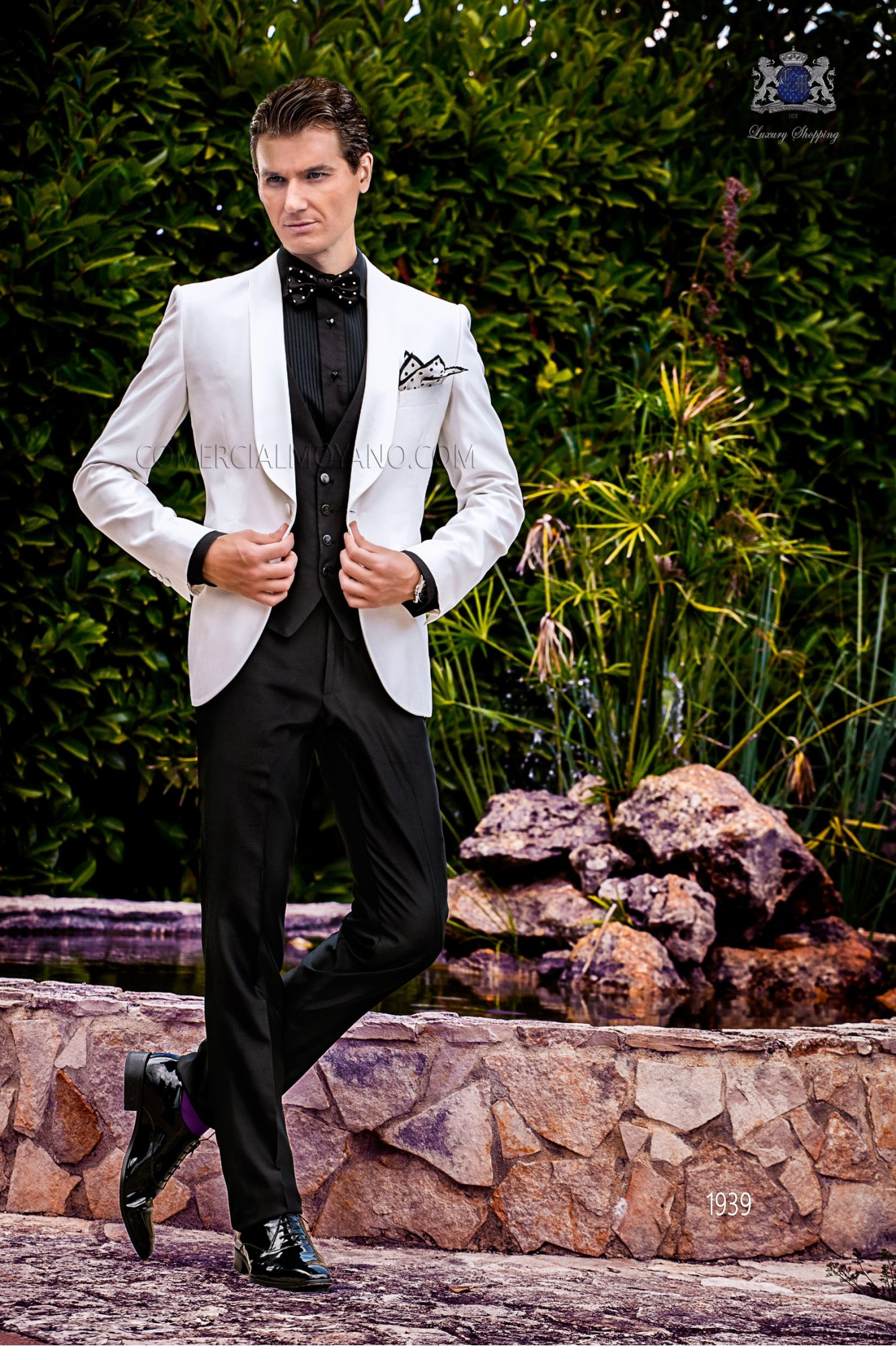 Bespoke white shantung dinner jacket combined with a black trousers model 1939 Ottavio Nuccio Gala