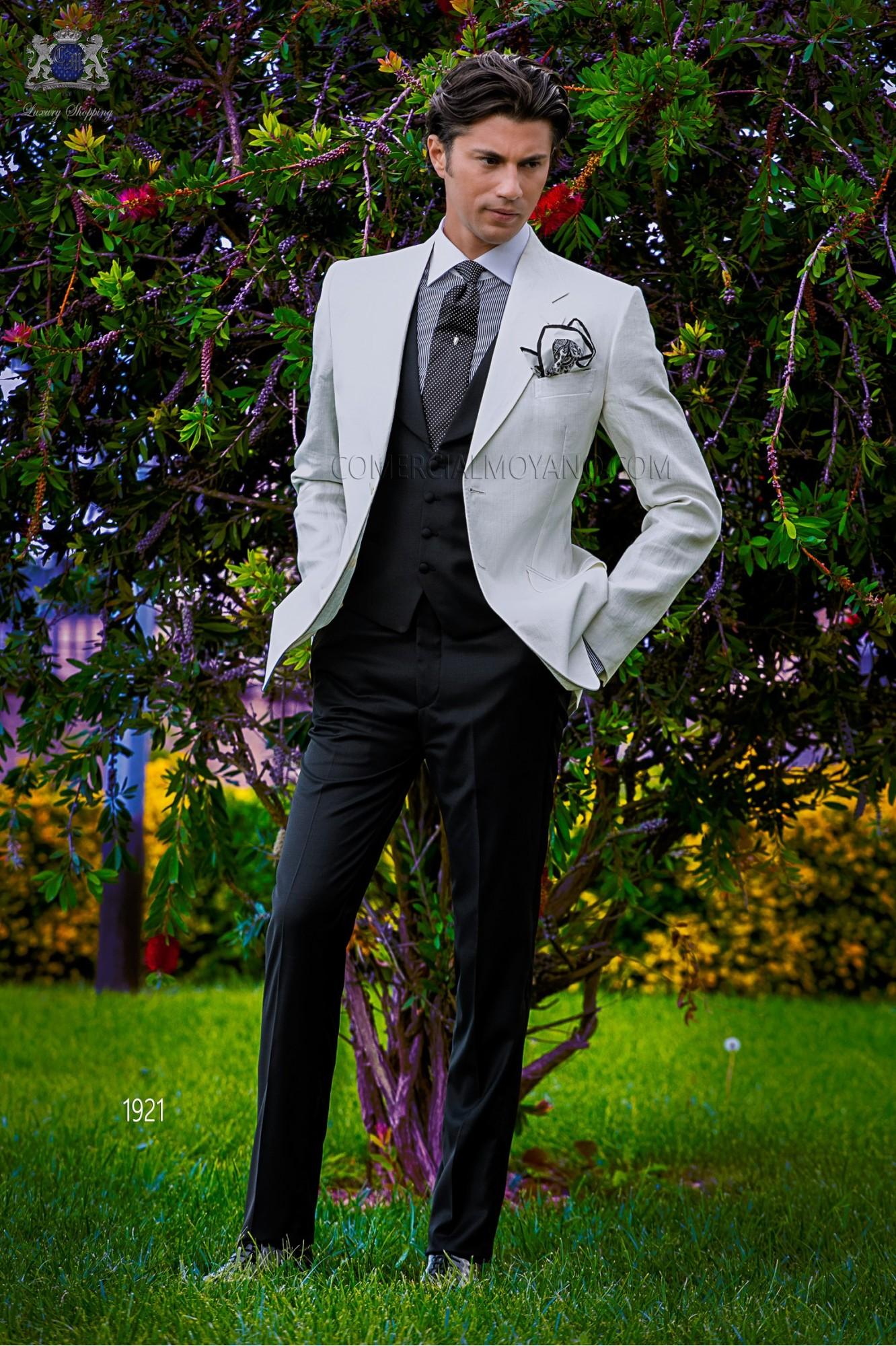 Traje de novio a medida blanco de lino con pantalón negro