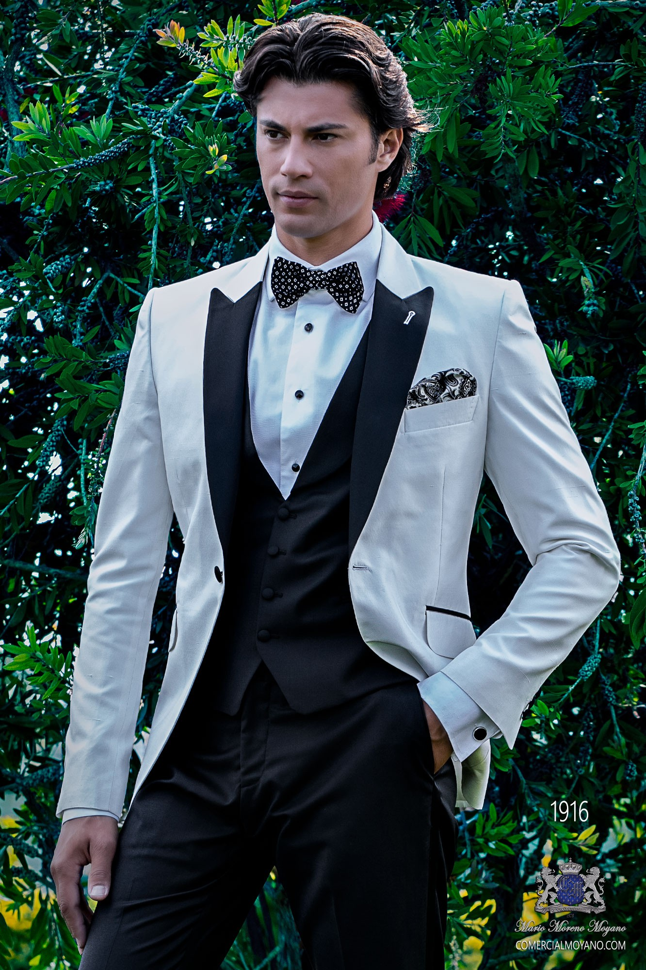 Bespoke black & white shantung dinner jacket combined with a black trousers model 1916 Ottavio Nuccio Gala