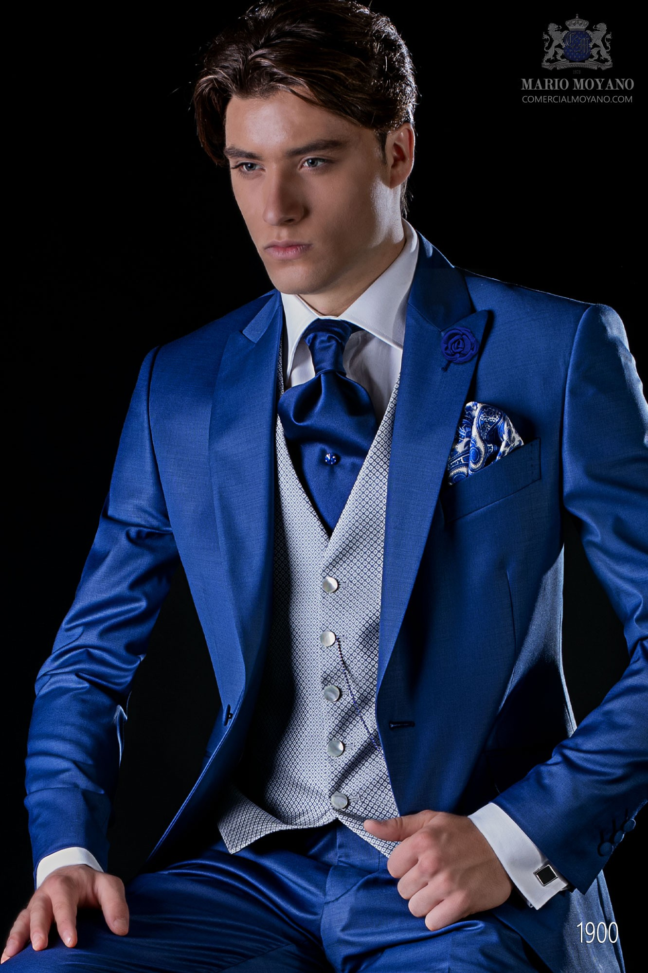 Traje de novio moderno azul royal tejido fresco lana