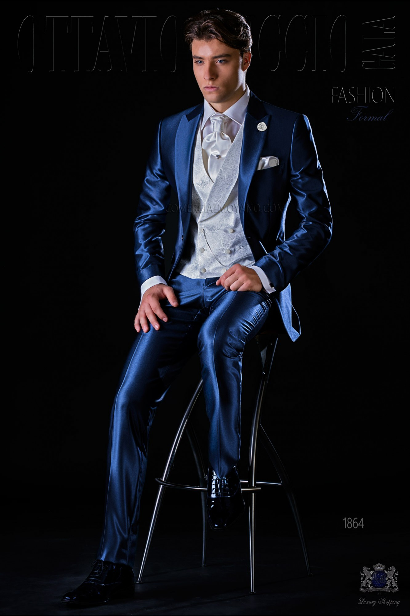 Italian bespoke blue royal suit peak lapels