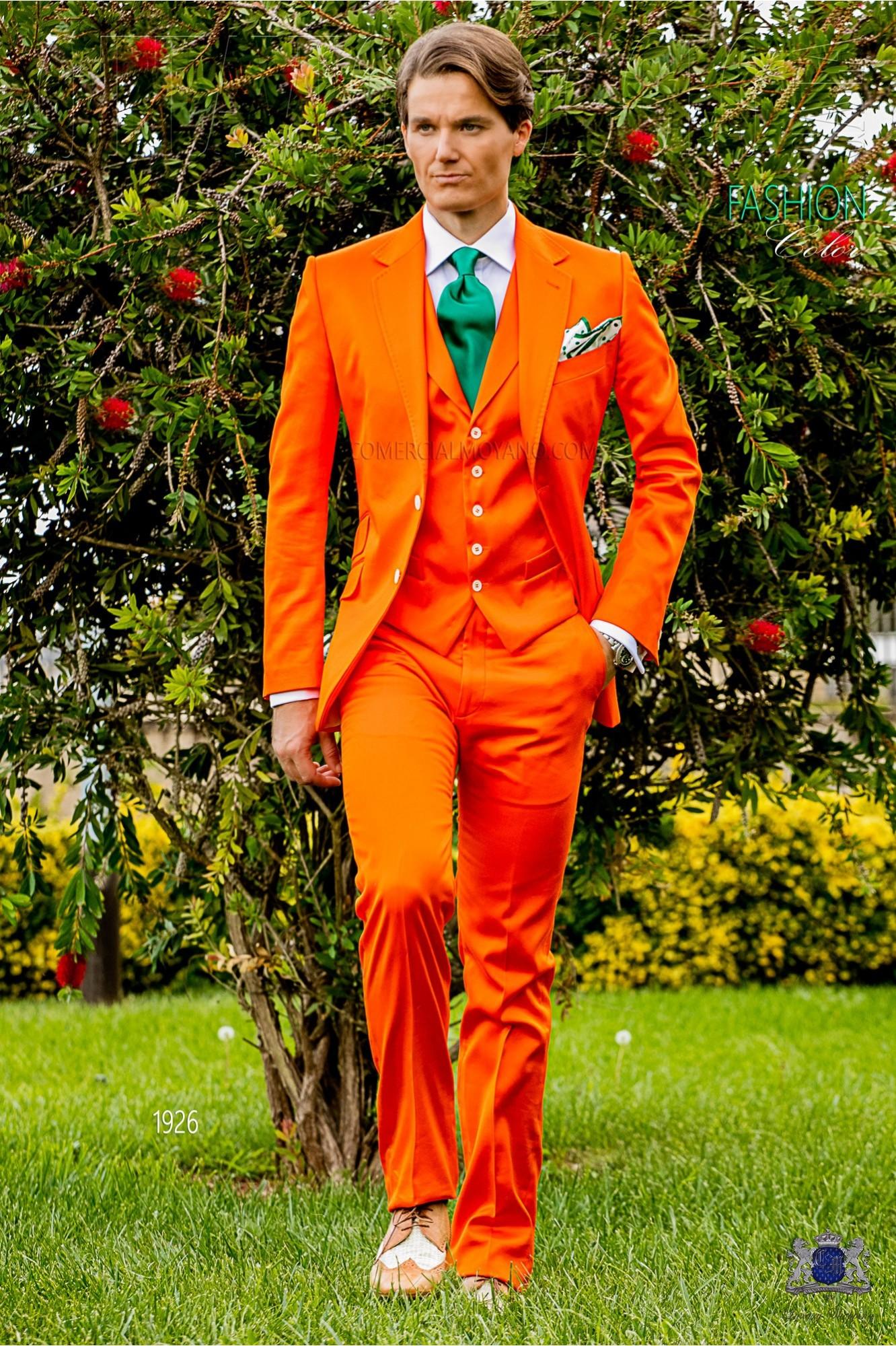 Traje italiano a medida naranja en raso de algodón