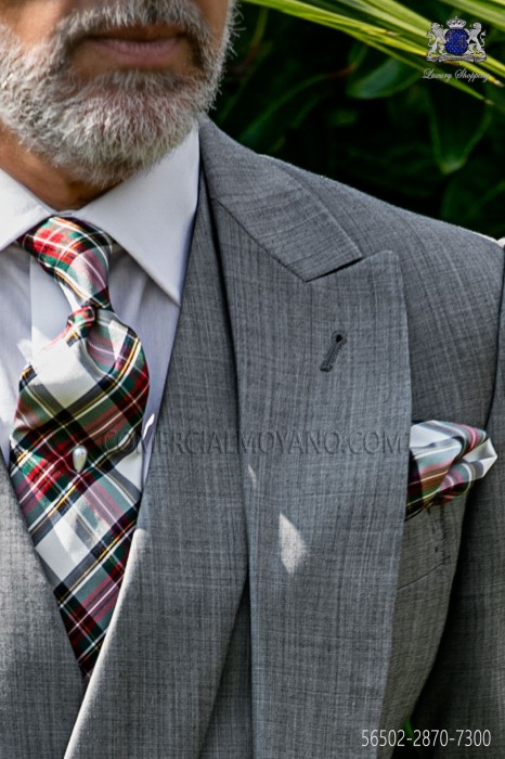 Tie with pocket handkerchief in pure silk tartan design