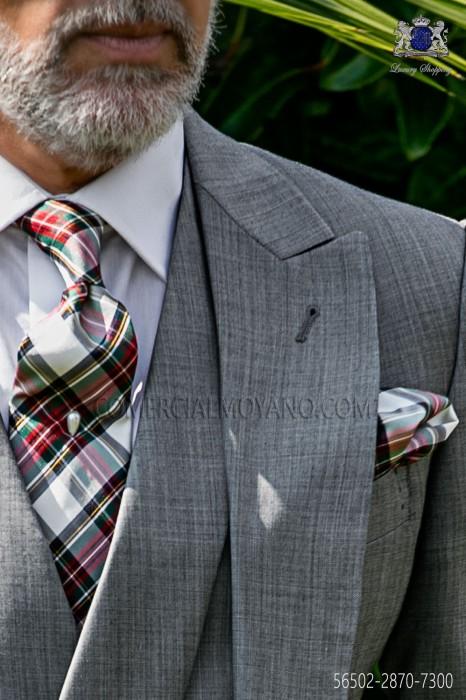 Tie with pocket handkerchief in pure silk tartan design