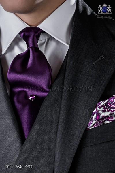 Corbata roja de morada