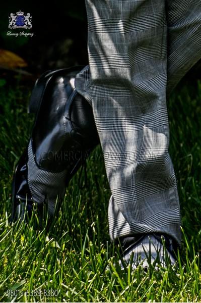 """Zapatos combinados negro y """"Príncipe de Gales"""" con motivo celeste"""