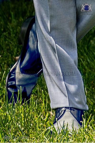 "Zapatos combinados azul marino y ""pata de gallo"""
