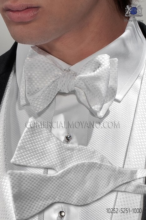Hound´s tooth cloth design bow tie