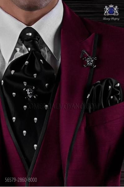 Black silk tie and pocket handkerchief with skulls