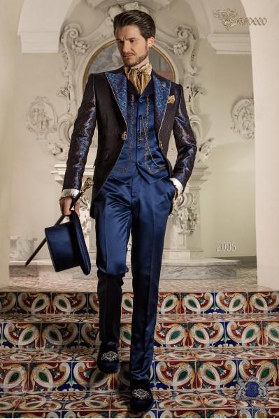Traje de época brocado azul y oro modelo redingote.